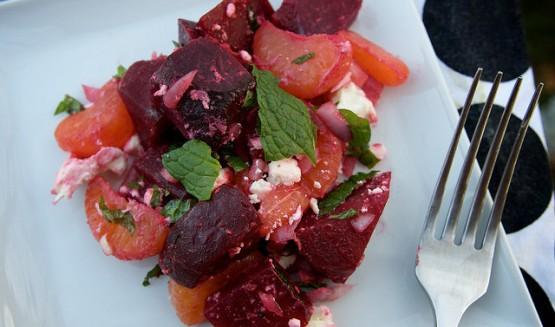 Try beetroots to give your diet a liver-friendly flavor! (Photo credit: Flickr/Creative Commons; Tracy Benjamin)